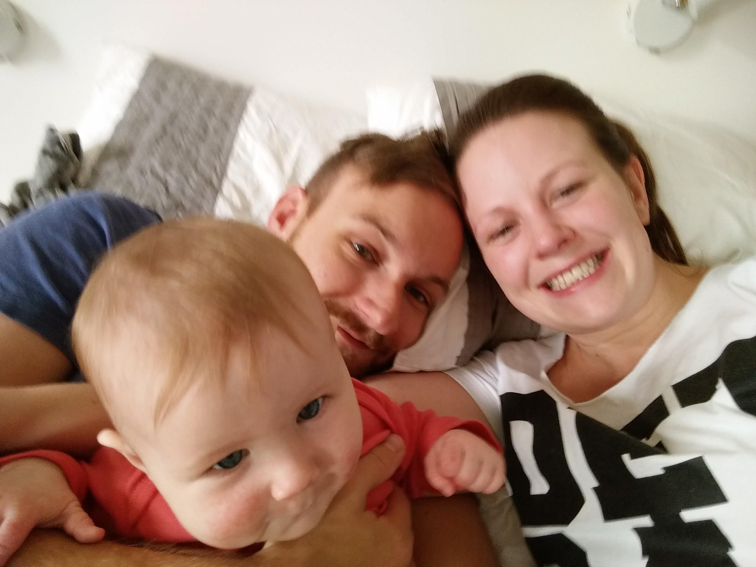 För min suddiga, fantastiska familj.