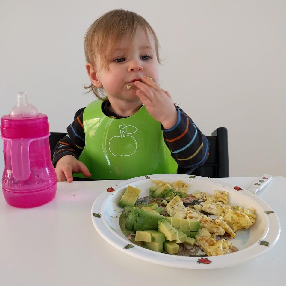 Omelett och avokado - funkar rätt bra för tillfället.