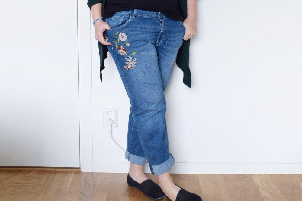 Alla har ju broderier nuförtiden och jag ska väl inte vara sämre. De här jeansen är riktigt sköna och lagom relaxed. Länk (Zalando)